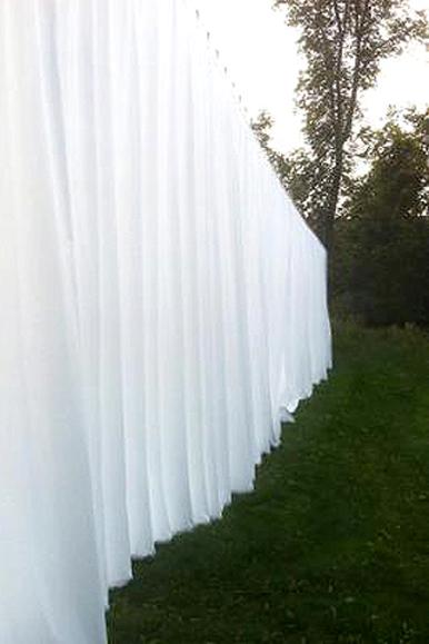 Rideau, 2012. Tissu plissé, système mécanique, 2400 X 370 cm. Détail.